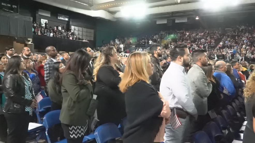 998 immigrants become US citizens at El Paso Coliseum