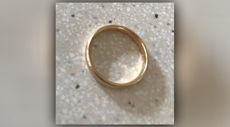 This image of the ring was provided by Elisabeth Mitchell Nelson.