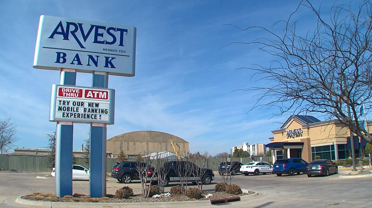 Officers responded around 10:30 a.m. to the Arvest Bank near 91st and Delaware after a man walked in, pulled out a pistol and demanded money from a teller. (KTUL)